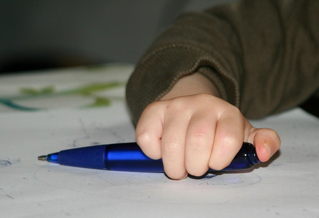 sauvegarde de l'écriture pour nos enfants. Attention à trop de tablette iPad !