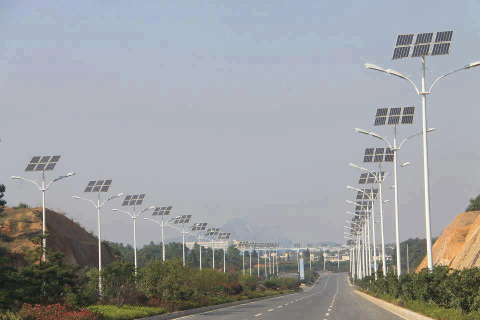 Lampadaires solaires -  Ahmedabad, Gujarat, Inde