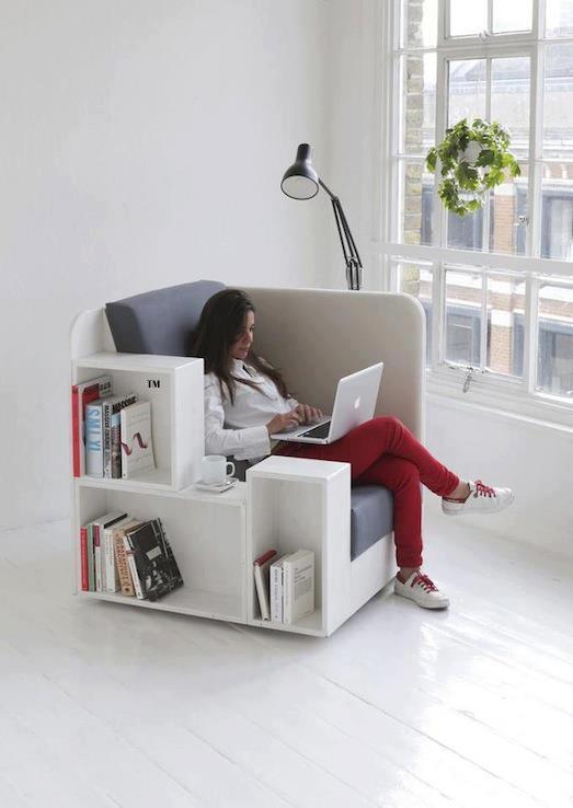 Chaise de bibliothèque créative. Tout-en-un. C'est si bon de s'endormir en lisant